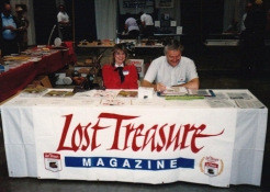 Lee Harris and daughter - Lost Treasure